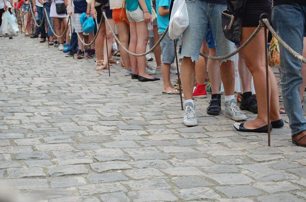 A long queue